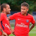 Dani Alves quiere convencer a Dybala de sumarse al PSG