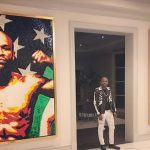Floyd Mayweather tiene un mural de Conor McGregor en su nueva mansión