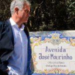 Mourinho inaugura avenida con su nombre