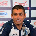 FIFA castiga con tres partidos a Amado Guevara