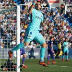 Suárez se reconcilia con el gol y pone al Barca a 11 del Madrid