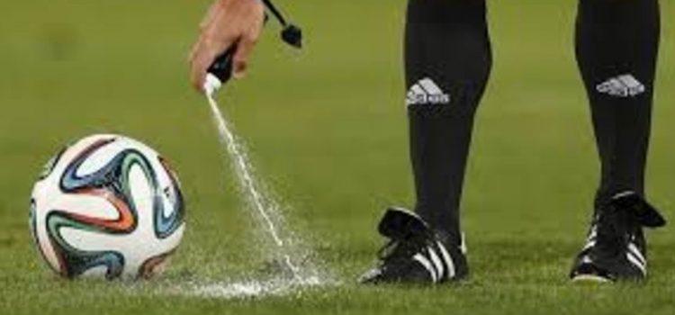 El inventor del spray que usan los árbitros pide 84 millones a la FIFA