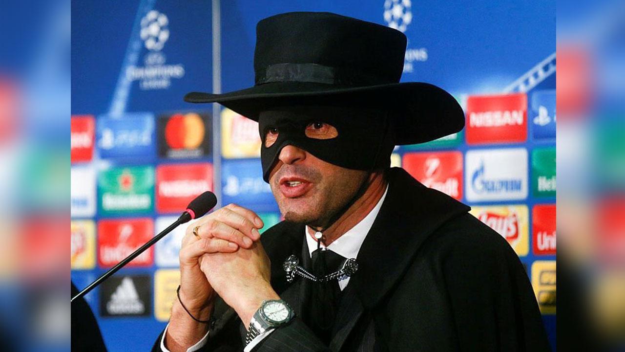 """Técnico del Shakhtar aparece vestido de """"El Zorro"""""""