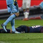 El impactante choque de Mbappé contra portero rival