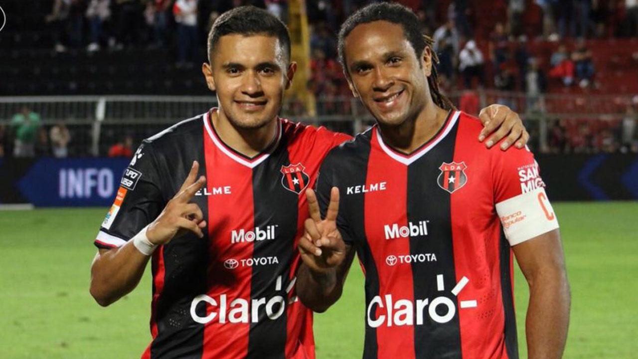 """Técnico Alajuelense: """"McDonald y Roger Rojas son la dupla más letal del fútbol centroamericano"""""""