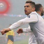 A Cristiano Ronaldo le tiraron un botellazo