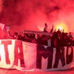 El salvaje recibimiento de los hinchas del PSG al Real Madrid: VÍDEO