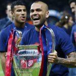 Dani Alves: «Si me llamara el Barcelona volvería mañana mismo»