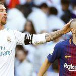 Iniesta regaló a Sergio Ramos la camiseta de su último Clásico