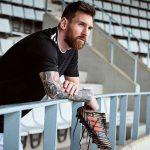 Messi enseña los botines que usará en Rusia