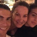La foto de Cristiano Ronaldo con moño que está causando furor