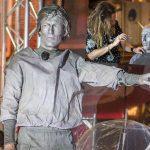 Como una estatua viviente Robben le rinde homenaje a Cruyff (VÍDEO)