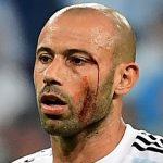 Mascherano jugó con sangre en la cara