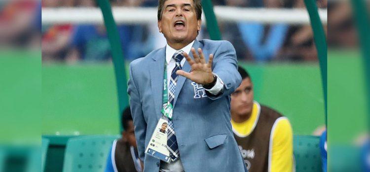 """Jorge Luis Pinto: """"Farfán debe ser titular en Perú"""""""