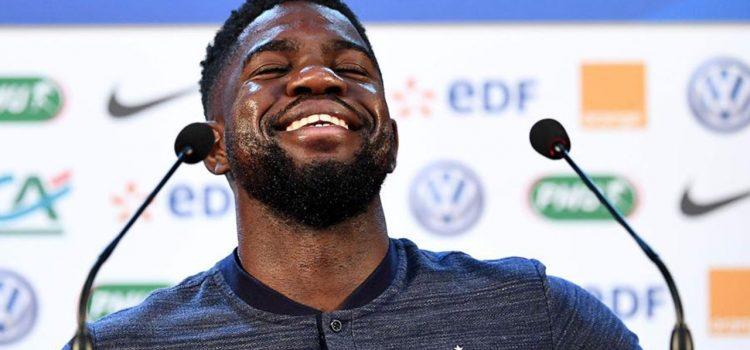 La reacción de Umtiti cuando lo presentan con el nombre de Pogba