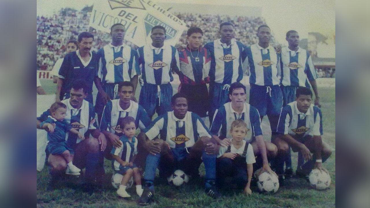 Hace 22 años el Victoria derrotó 1-0 al Cruz Azul de México