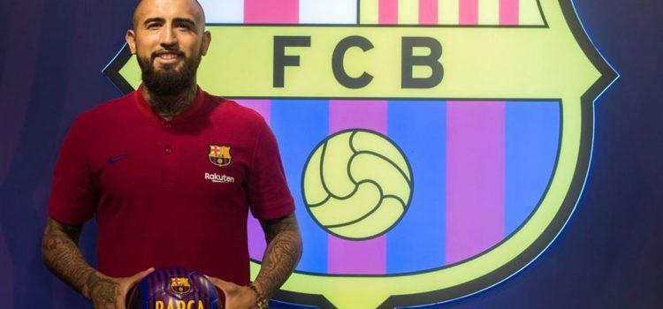 Arturo Vidal molesto por ser suplente en el Barcelona