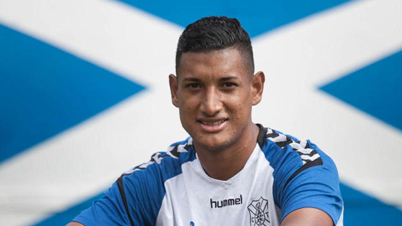 Tenerife anuncia la convocatoria de Bryan Acosta a la Selección Nacional