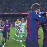 La discusión entre Piqué y Vidal tras perder contra el Betis (VÍDEO)