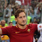 Emotivo homenaje a Totti en el Olímpico