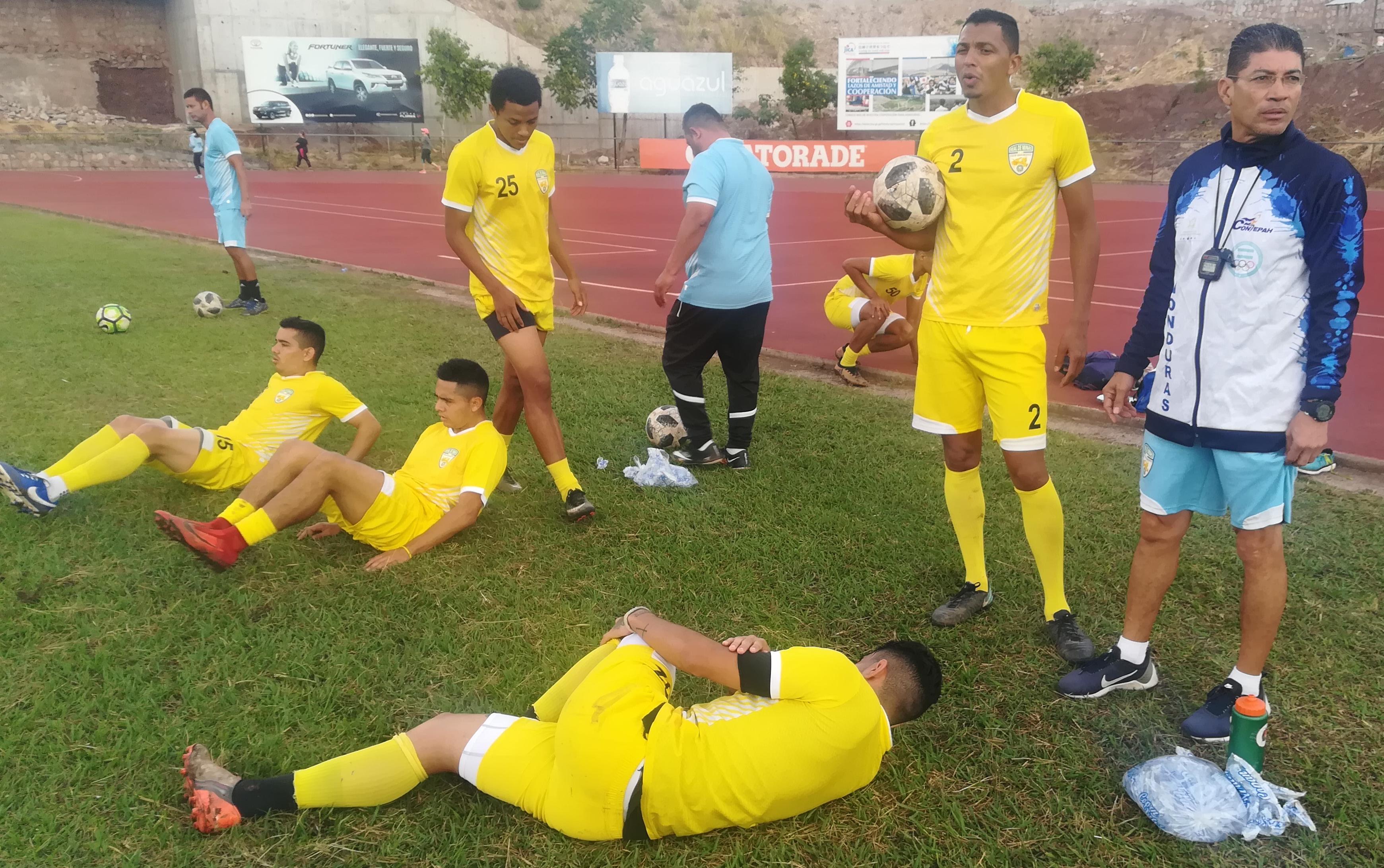 Real de Minas intensifica su preparación para el Clausura