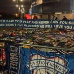 Hermoso gesto: Los hinchas del Cardiff le hicieron una bandera enorme a Sala