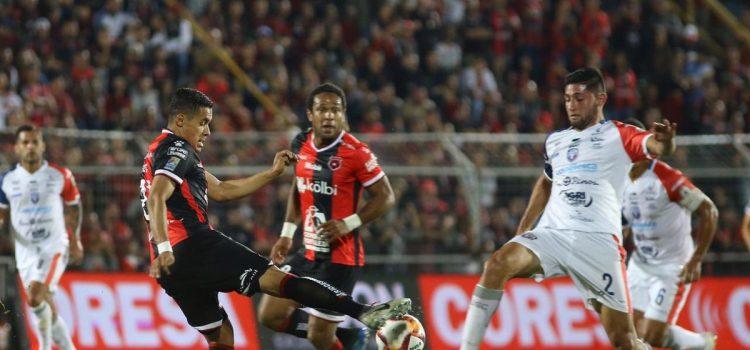 En el debut de Henry Figueroa, Alajuelense pierde ante San Carlos