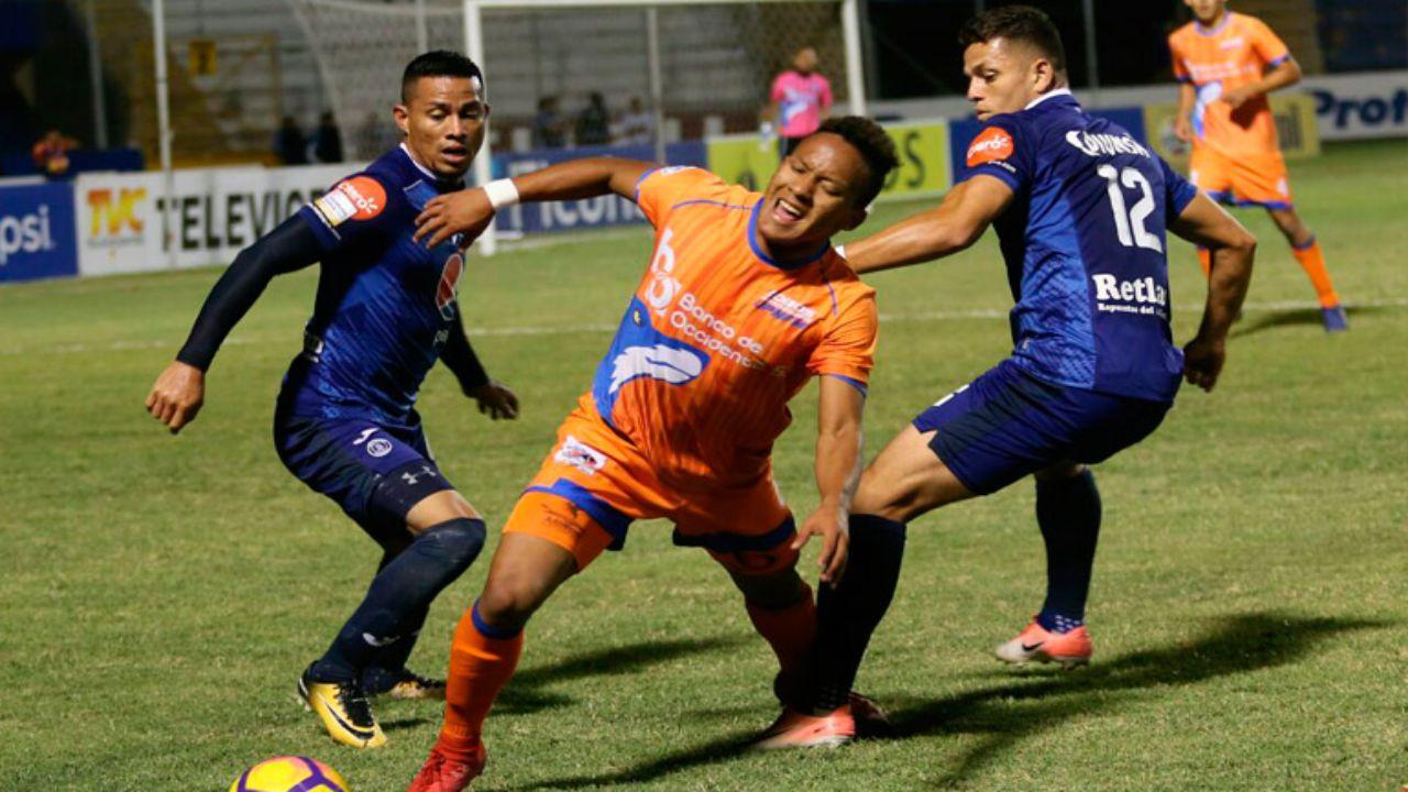 Lobos de la UPNFM le saca un empate a Motagua
