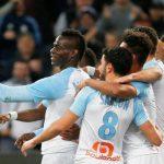 ¡Insólito! Mario Balotelli celebró su gol con una selfie y la publicó durante el partido (VÍDEO)