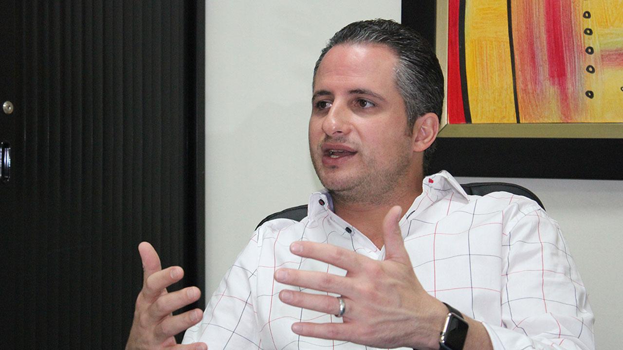 """¡Polémica! Presidente españolista desea que el árbitro Said Martínez pite """"sin hambre"""" esta noche ante Motagua"""