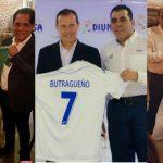 Emilio «El Buitre» Butragueño se lleva camisetas de la Selección de Honduras, Marathón y Real España