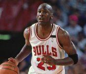 Michael Jordan designado el mejor basquetbolista de la historia (VÍDEO)