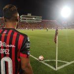 Alajuelense y Saprissa empatan dramáticamente en el clásico tico