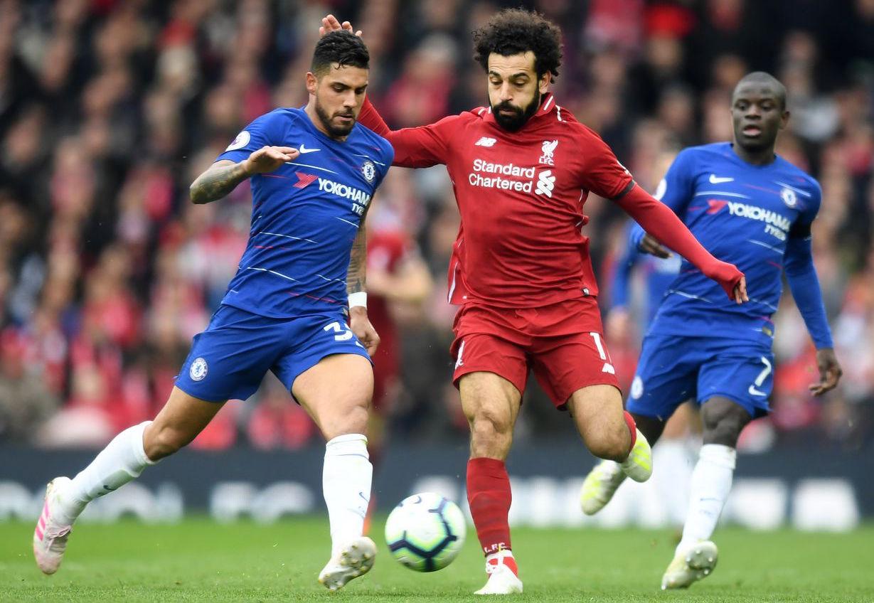 Liverpool derrota al Chelsea y mantiene la lucha del liderato con el Manchester City