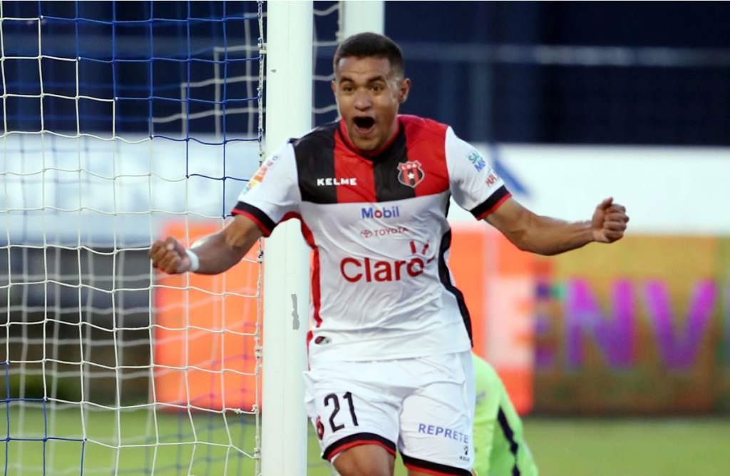 Roger Rojas anota en su regreso con Alajuelense en empate ante Carmelita