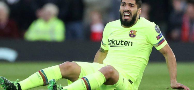 Luis Suárez será operado hoy de su rodilla derecha