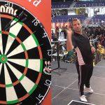 Van der Vaart deja el fútbol para jugar dardos (VÍDEO)