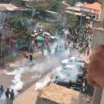 Enfrentamiento entre aficionados del Marathón y Policía