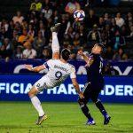 Zlatan Ibrahimovic se luce con golazo de chilena (VÍDEO)