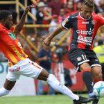 Alajuelense vence al Herediano y es líder del fútbol de Costa Rica