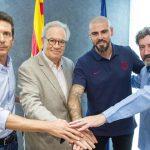 Víctor Valdés regresa al Barcelona como entrenador