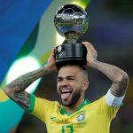 Dani Alves es nuevo jugador del Sao Paulo y el mejor pagado de Brasil (VÍDEO)