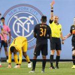 Técnico del Houston Dynamo molesto con Quioto: «Somos futbolistas, no boxeadores»