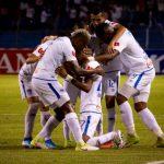 Olimpia derrota 2-0 a Motagua y encarrila sus aspiraciones al campeonísimo