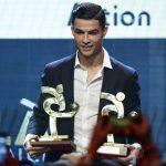 Cristiano Ronaldo recibe premio a mejor jugador del Calcio
