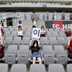 El FC Seoul se disculpa por situar muñecas sexuales como aficionados