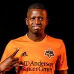 Boniek García lucirá un mensaje en favor de Honduras en la camiseta del Houston Dynamo