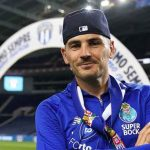 Iker Casillas volvió a pisar el césped de Do Dragão 14 meses después para celebrar la liga del Oporto