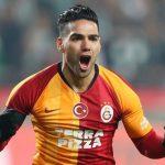 Falcao acepta reducción salarial y se queda en el Galatasaray