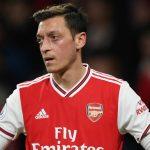 Arsenal deja fuera a Özil de la Premier League